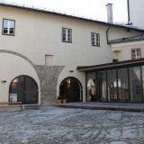 Burginnenhof-Burg-Golling